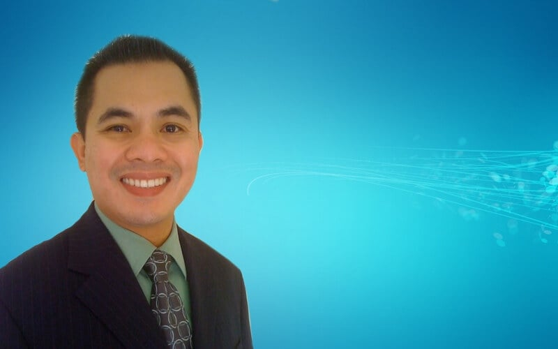 Learn more about Dr. Rosales at Arrow Smile Dental